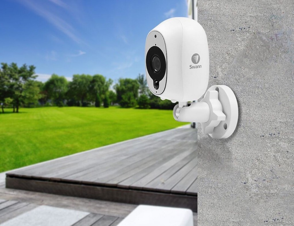 Our favorite HD security cameras to monitor your home - Swann 01Our favorite HD security cameras to monitor your home