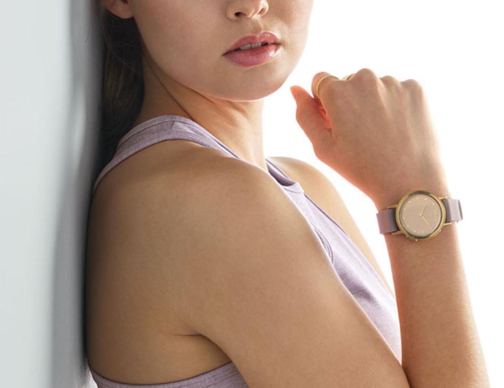 The best minimalist smartwatch designs of 2019 - Misfit Path 02