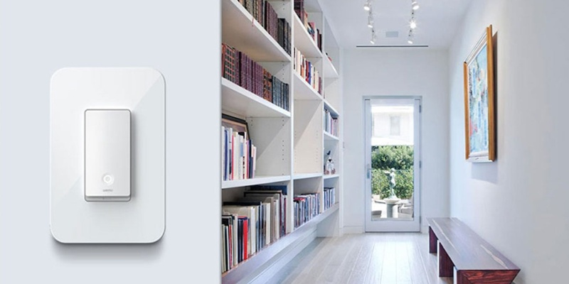 Smart lamp vs. smart light switch - which one should you buy?