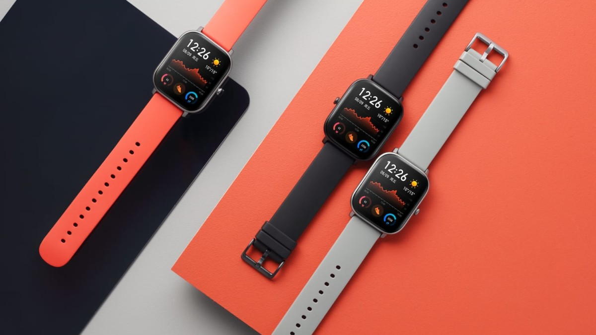 Amazfit GTS AMOLED Smartwatch provides a beautiful display in a sleek body