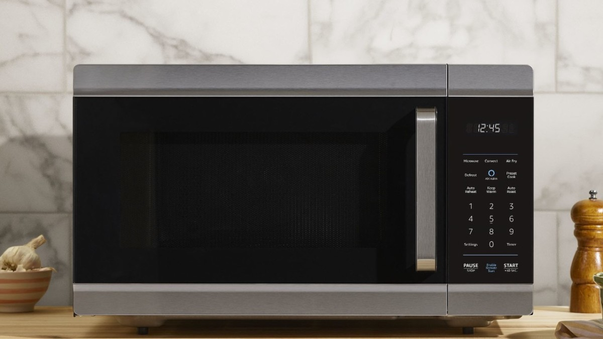 Amazon Alexa Smart Oven manages the cooking for you