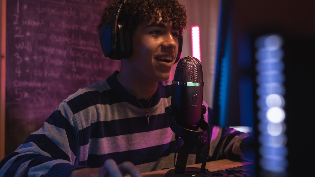 Blue Yeti X professional USB microphone has a four-capsule condenser for clear sound