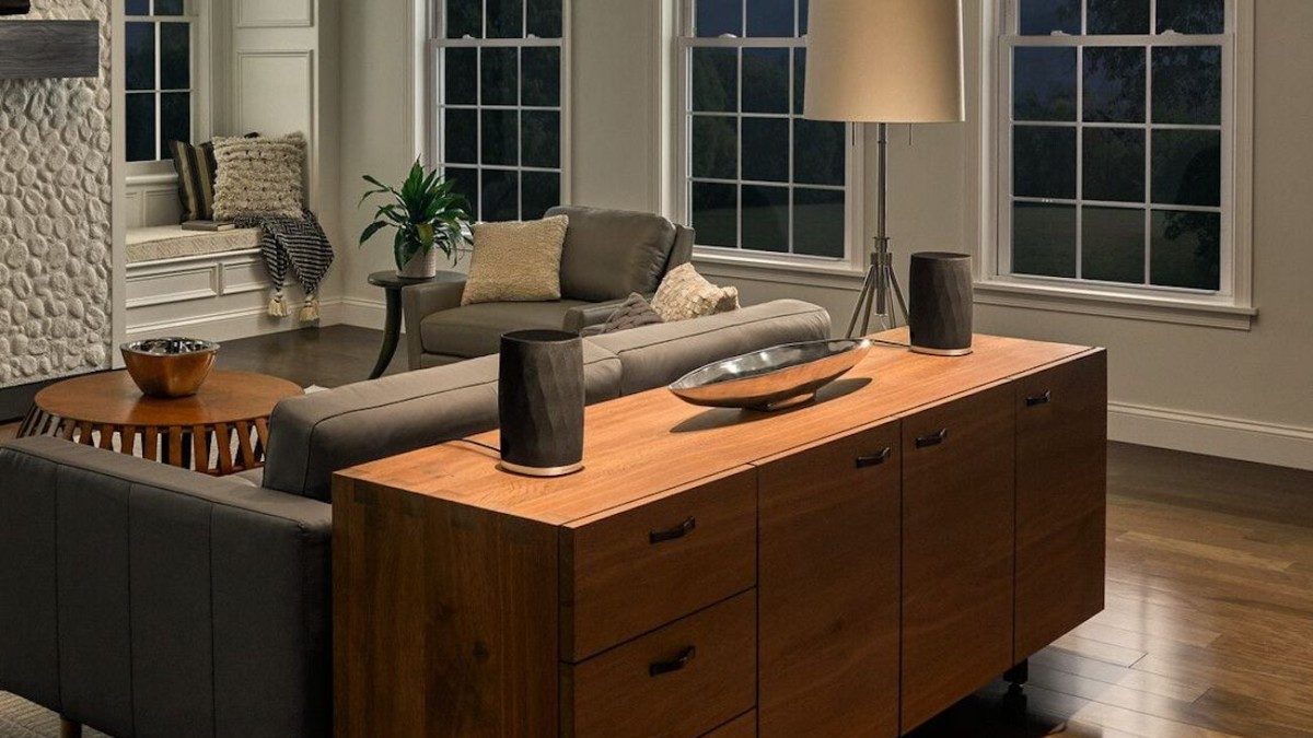 Bowers & Wilkins Formation Flex Whole-Home Sound System synchronizes accurately with other speakers