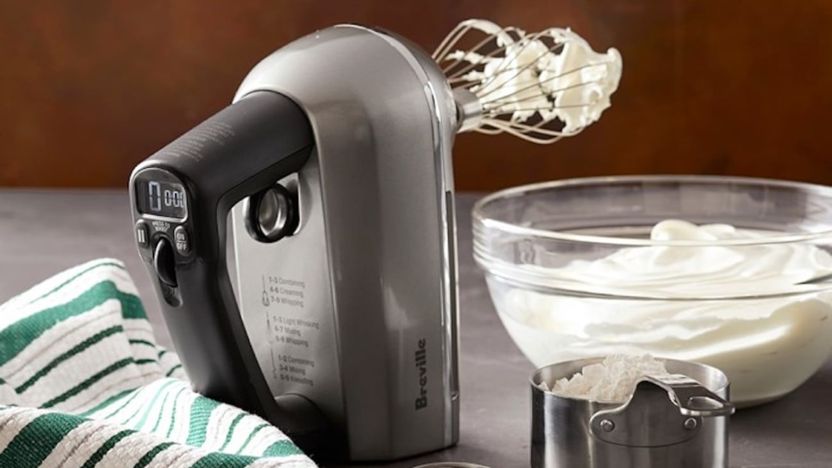 Breville Handy Mix Scraper Intuitive Hand Mixer automatically adjusts power and speed based on the task
