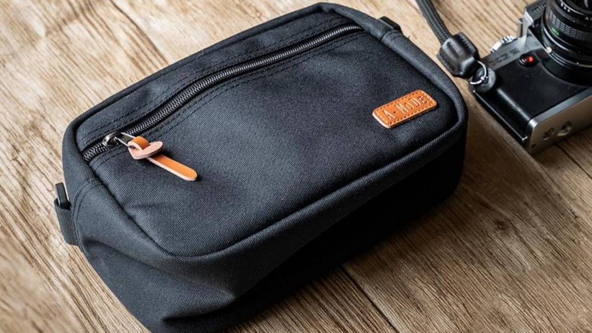 Camera Bag Waterproof Nylon Gear Holder protects your important equipment