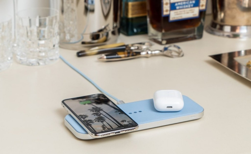 Courant CATCH:2 Multi-Device Wireless Charger