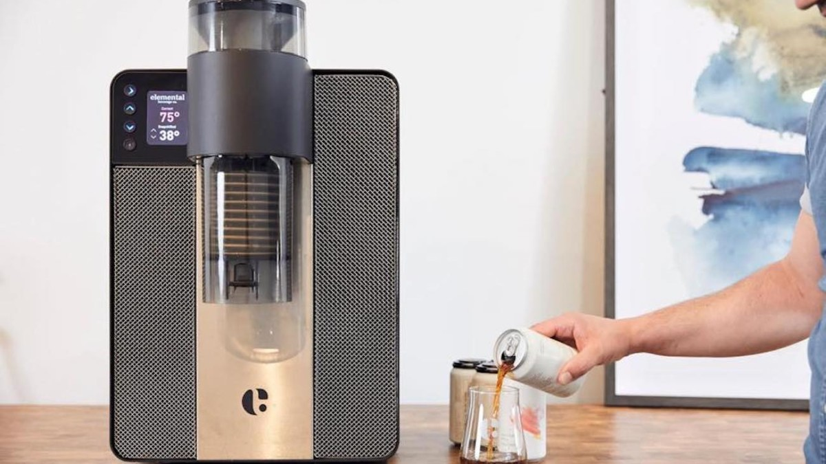Elemental Beverage Snapchiller Instant Drink Cooler makes hot beverages cold in mere minutes