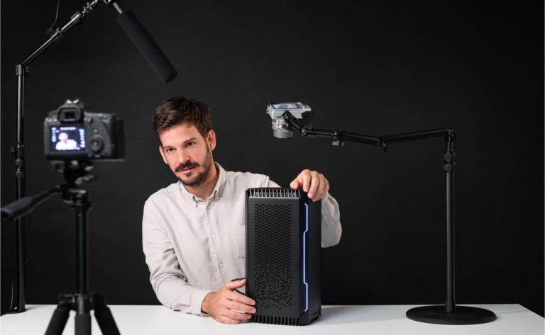 Elgato Multi Mount Modular Rigging System holds your gear up where you want it