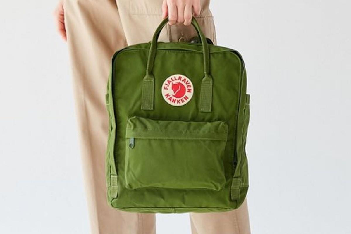 Fjallraven Kanken Backpack Durable Classic Bag is designed to support good posture