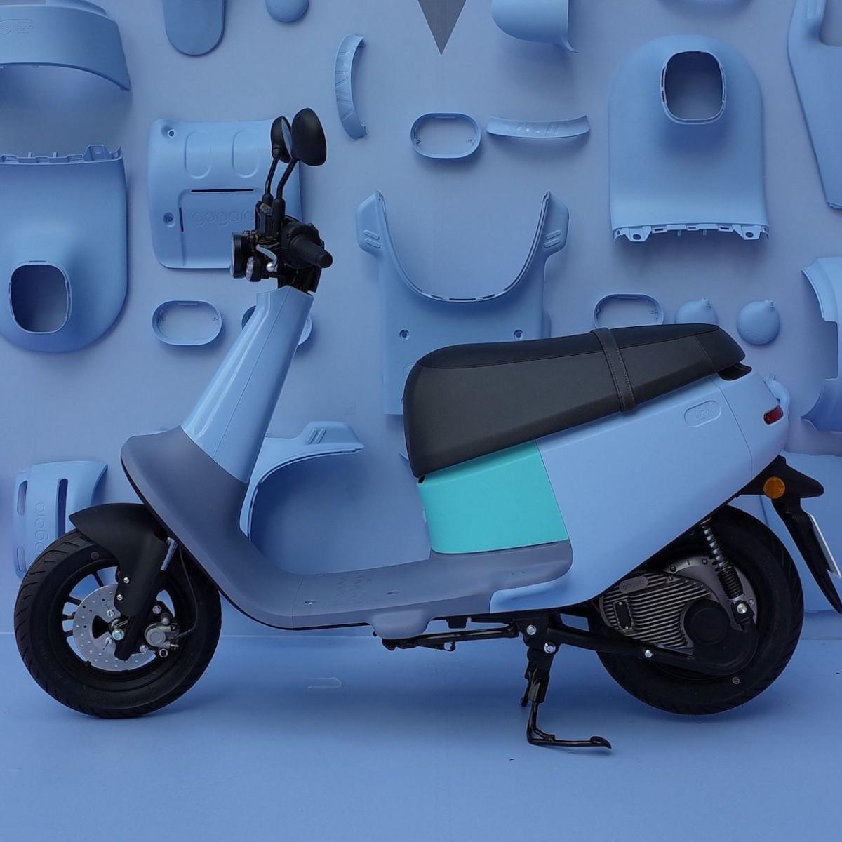Gogoro VIVA Ultralight Smart Scooter weighs just 80 kilograms for easy handling