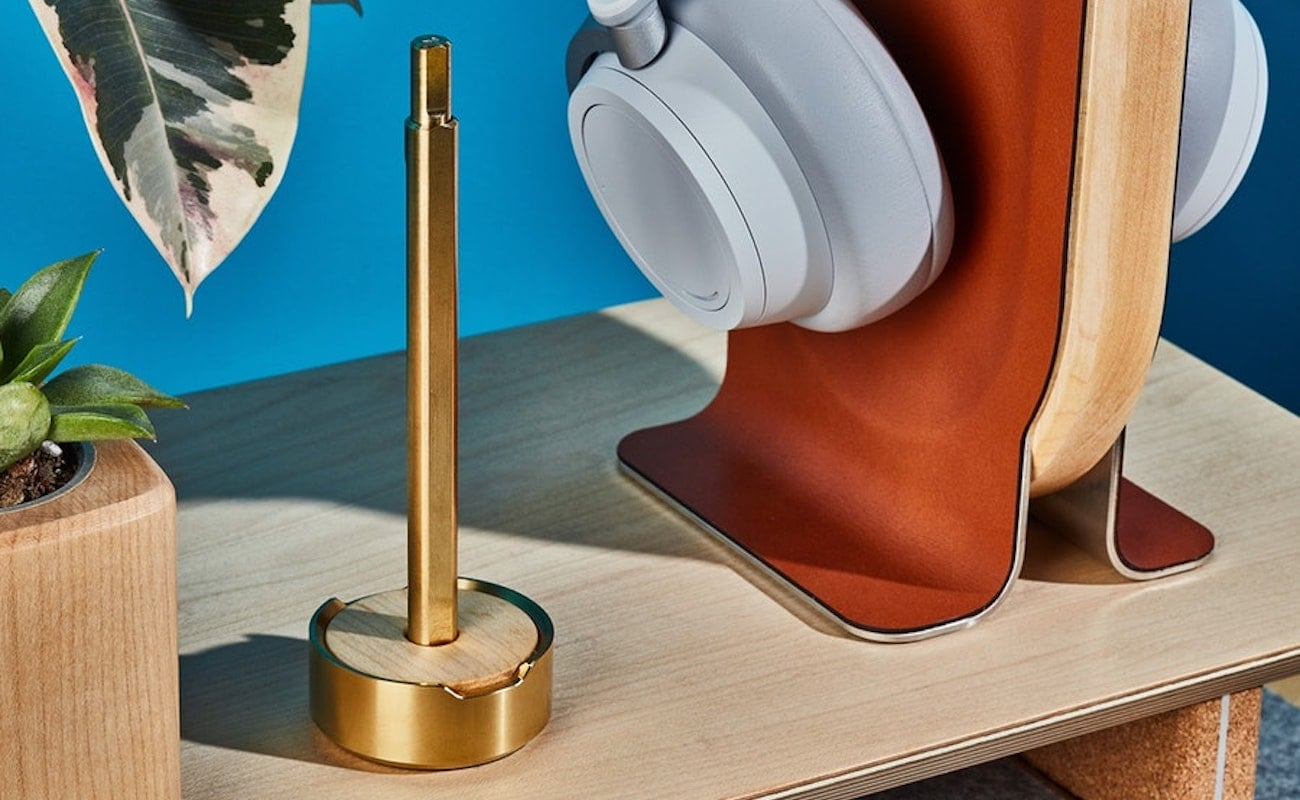 Grovemade Pen & Stand Collection Modern Writing Instrument is effortlessly smooth