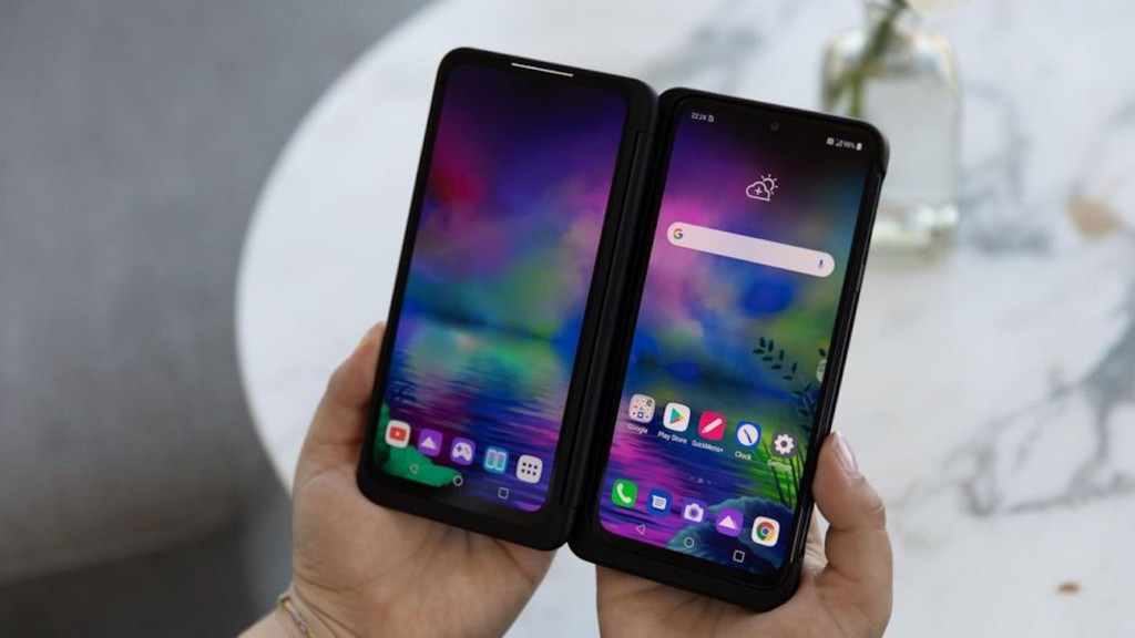 LG+G8X+ThinQ+Smartphone+with+Dual+Screen+has+a+360+Freestop+Hinge