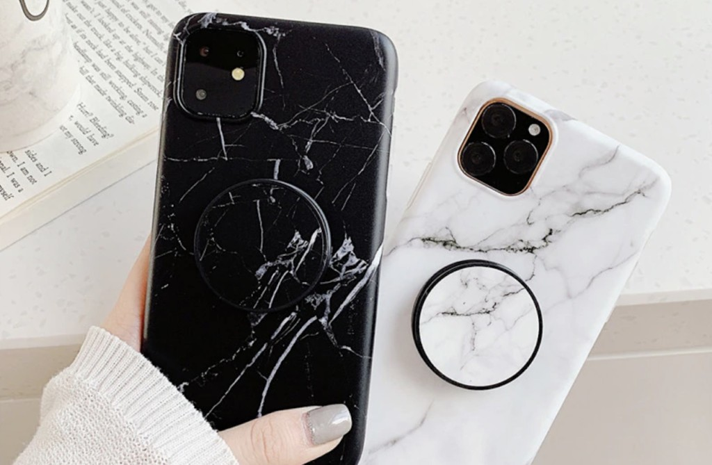 Marble+Grip+iPhone+11+Pro+Max+Case+has+a+pop-up+grip