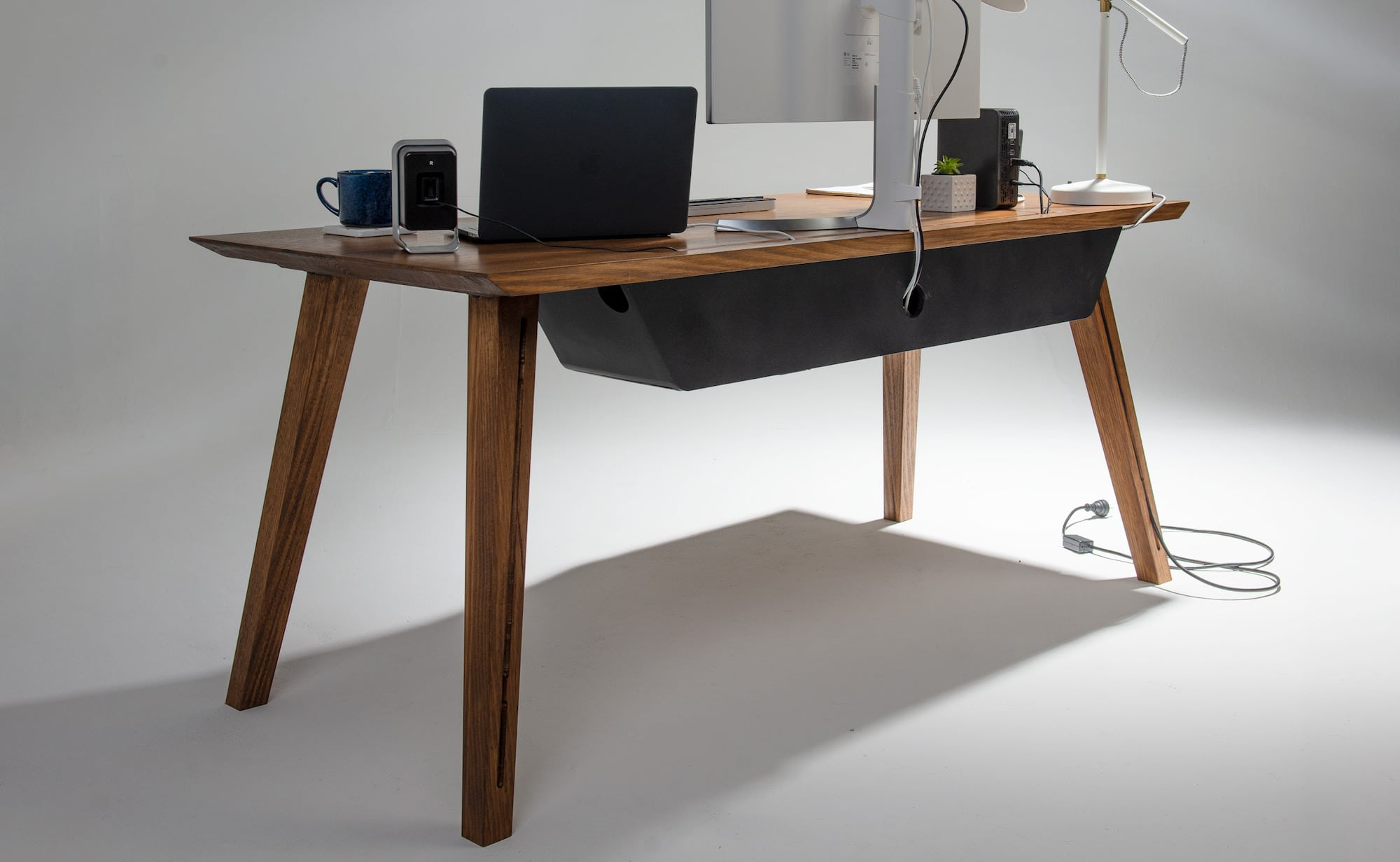 Image of: Other Furniture Is Jealous Of This Mid Century Modern Integrated Desk