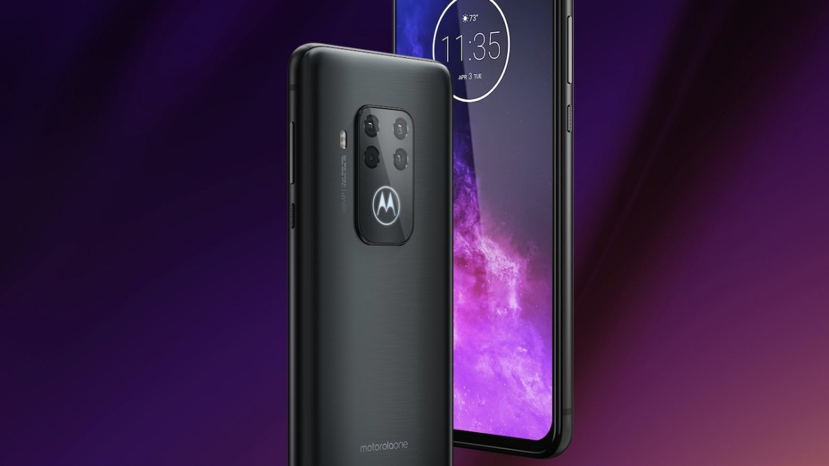 Motorola one zoom Four-Camera Smartphone is an affordable smartphone for all