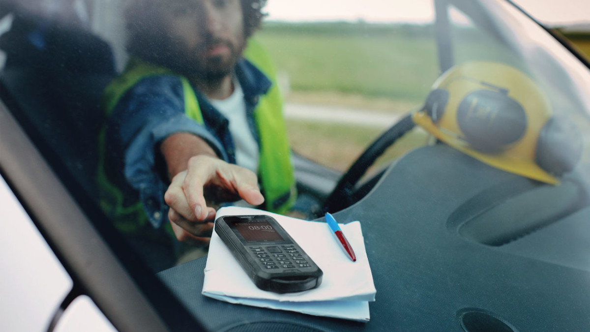 Nokia 800 Ultra Tough Smartphone is built for those who need rugged