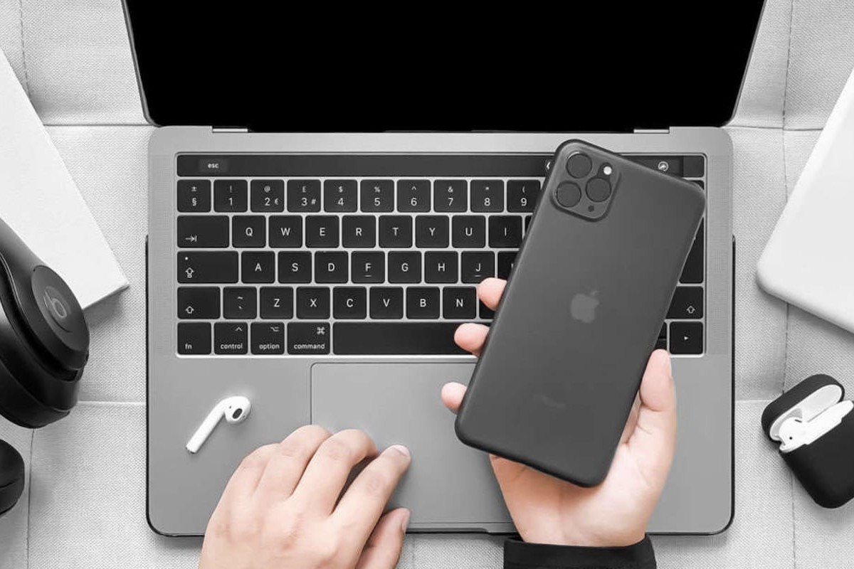 Nood Slim Minimal Case for iPhone 11 Pro Max offers a lightweight phone-protection solution