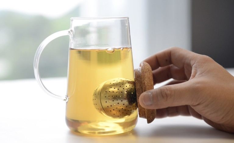 Oh! T Intelligent 3-in-1 Tea Strainer brews loose-leaf tea to your taste