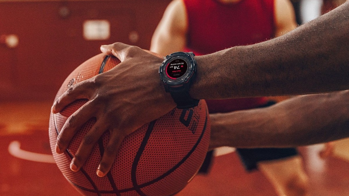 PowerWatch Series 2 Thermoelectric Activity Tracker uses your body heat to charge