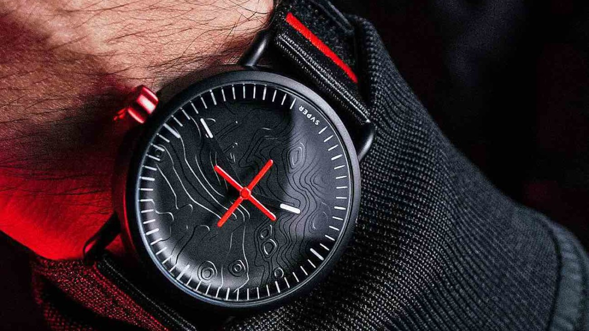SVPER11 3D Moon Landing Watch uses a 3D map for the watch face