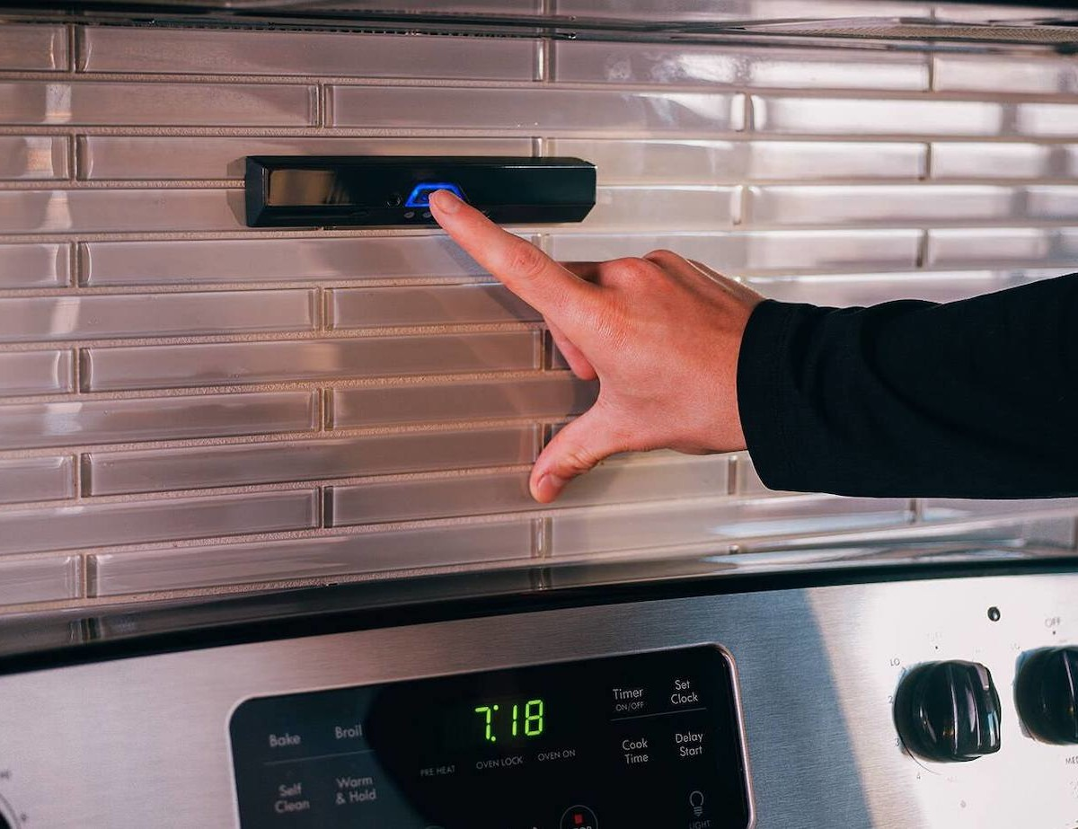 Safera Sense Smart Cooking Monitor helps prevent accidental kitchen fires