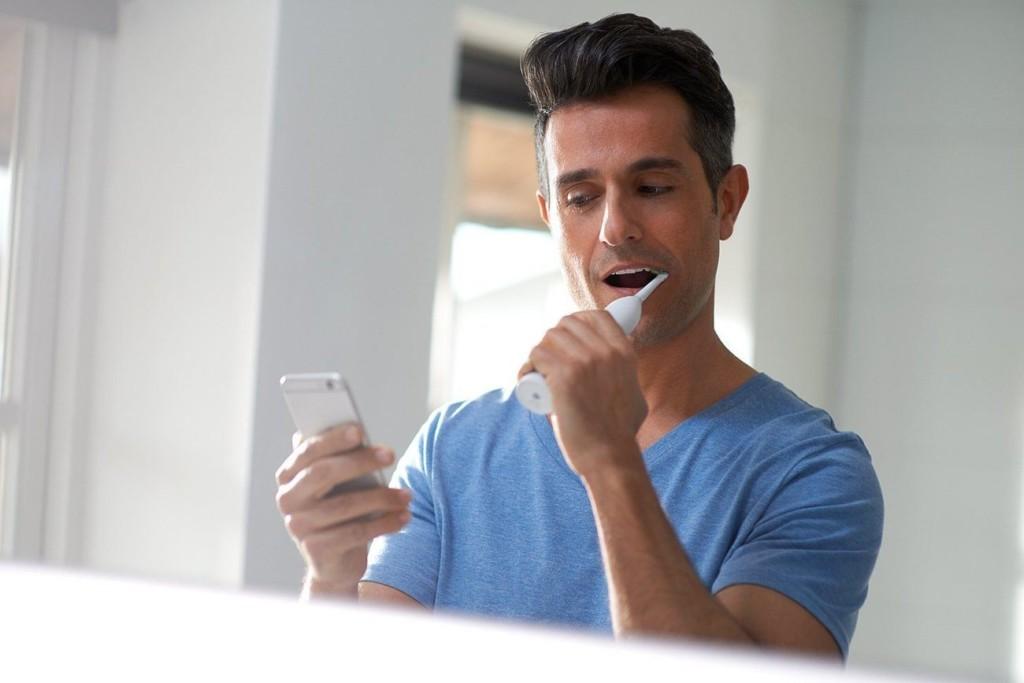 9 Smart toothbrushes for better dental hygiene - Philips Flexcare Platinum 03