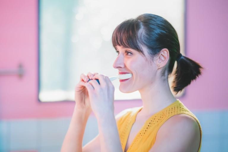 9 Smart toothbrushes for better dental hygiene - Y-Brush 01