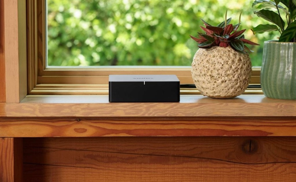 Sonos+Port+Audio+Adapter+brings+your+old-school+devices+into+the+modern+era