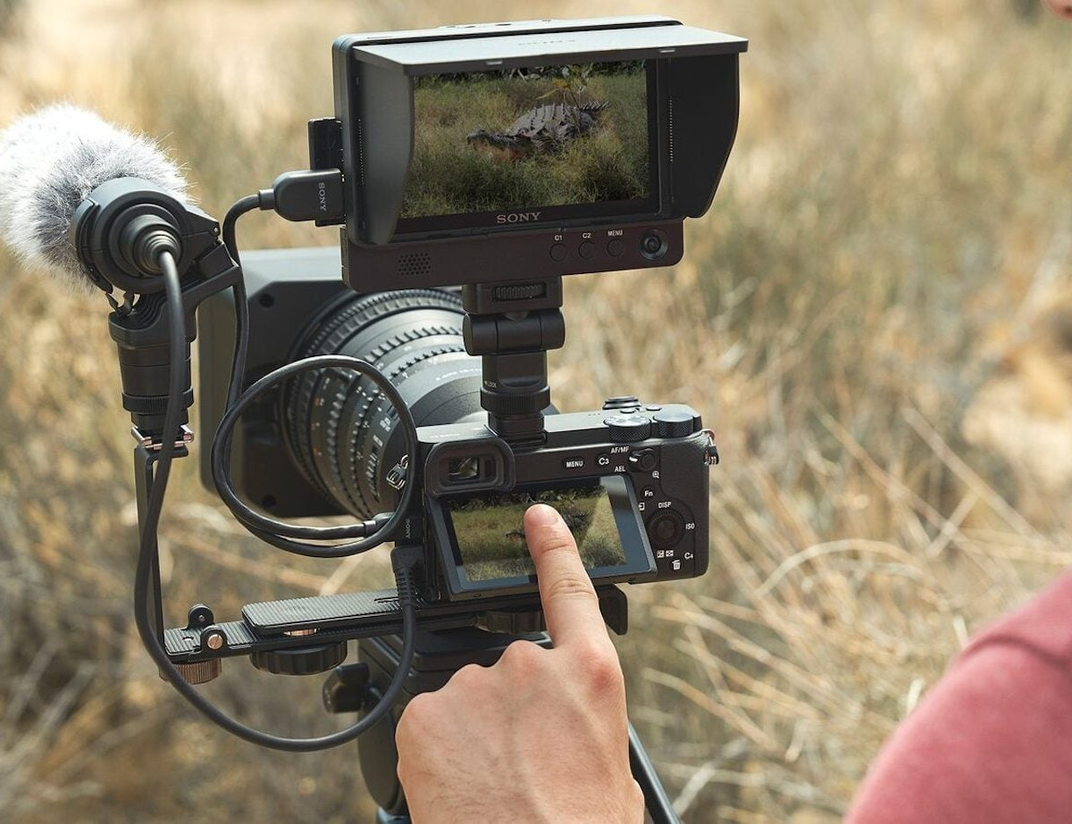 Sony a6600 E-mount APS-C Camera provides stable images in a compact body