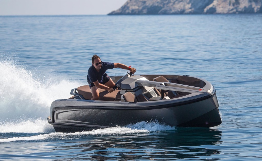 Vanquish+Vanqraft+VQ16+16-Foot+Yacht+flawlessly+blends+fun+and+comfort