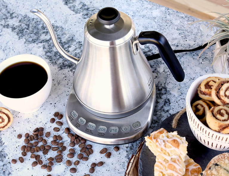 9 Best coffee accessories for brewing at home - Electric Gooseneck 02