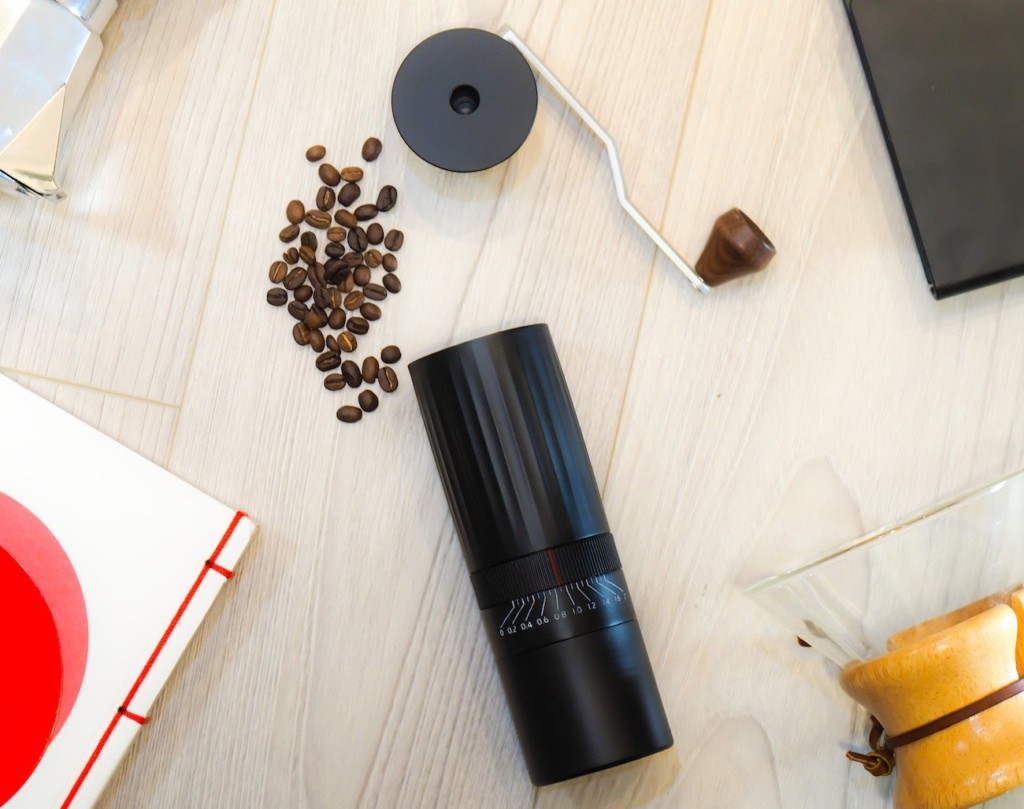9 Best coffee accessories for brewing at home - Hiku 03