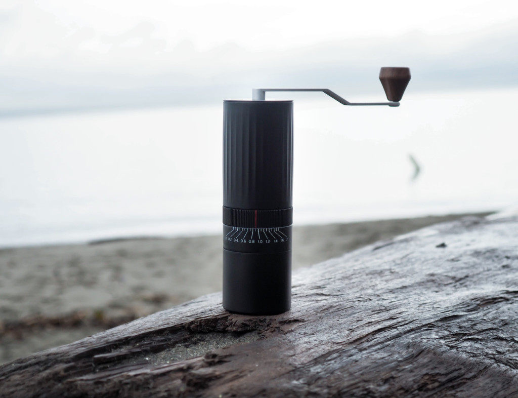 9 Best coffee accessories for brewing at home - Hiku 01