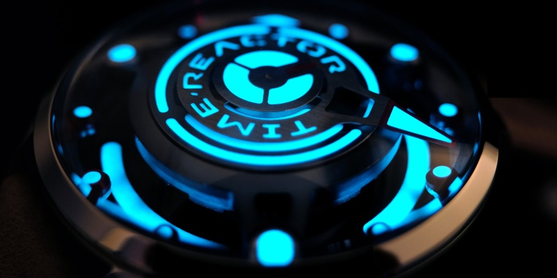 Time Reactor is the ultimate watch for Area 51 enthusiasts - flying saucers 01