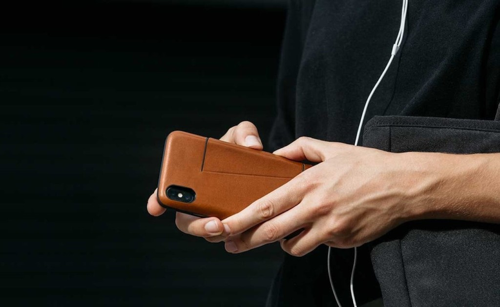 Best iPhone 11 Pro cases and accessories you can buy today - Bellroy wallet case 01