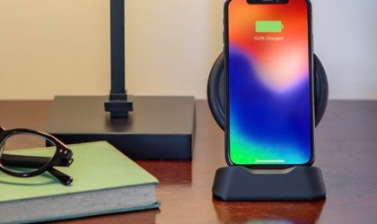 Best iPhone 11 Pro cases and accessories you can buy today - charging stand 02