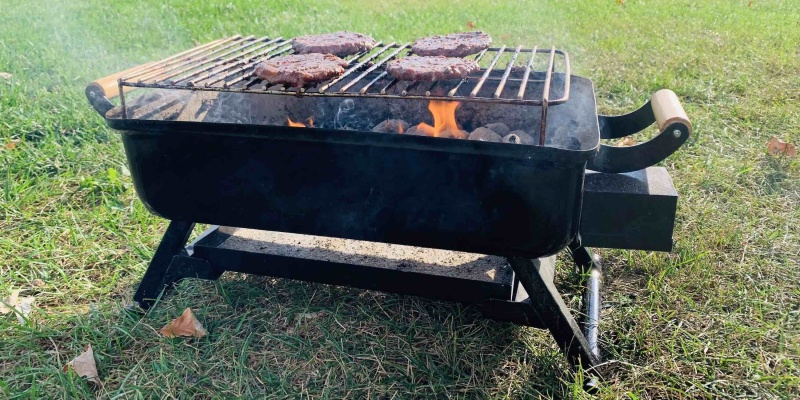 The Quick Start Grill makes it easy to start the BBQ - lighter fuel
