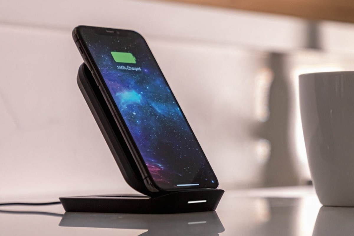 mophie wireless charging stand Adjustable Qi Charger keeps your phone at a convenient angle