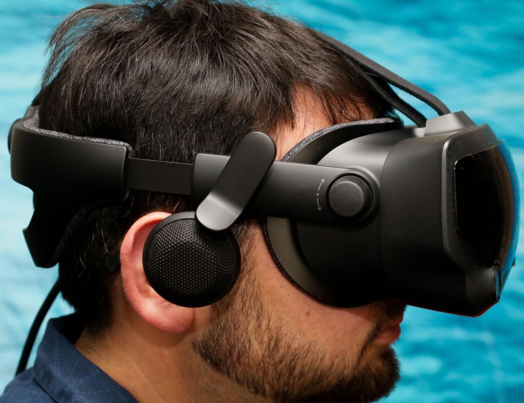 How virtual reality is changing the way we see the world (literally) - Valve Index 01