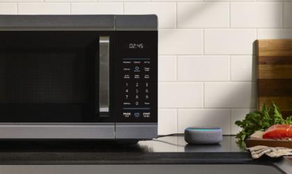 Amazon Alexa Smart Oven works with Echo speakers
