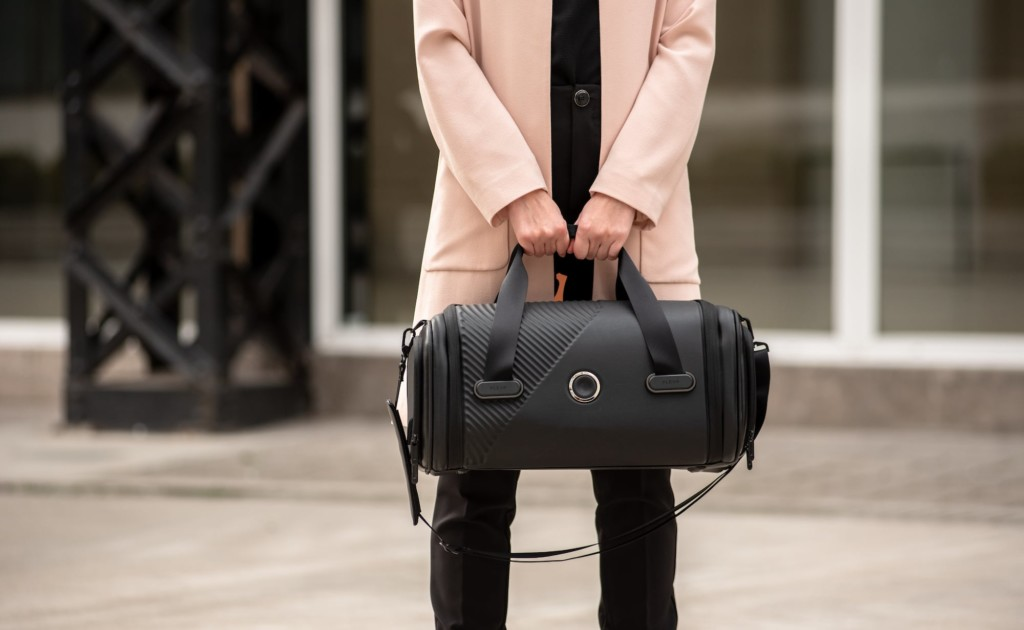 Plevo bag have a TSA-approved battery inside