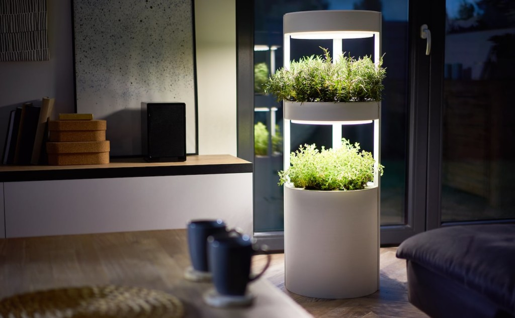 This smart garden houses enough nutrients for three weeks