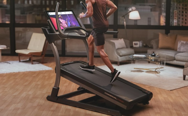 NordicTrack X32i has an incline of up to 40°