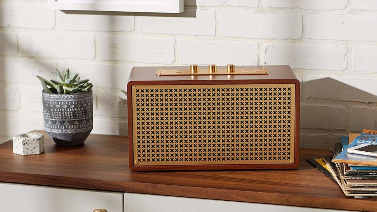 AmazonBasics Vintage Retro-Inspired Bluetooth Speaker mixes funky style with modern technology