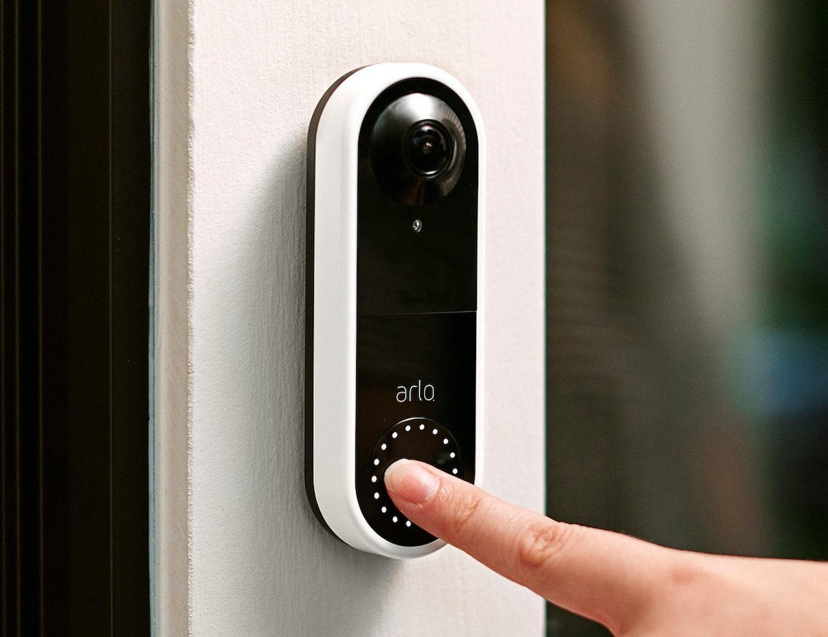 Arlo HD Video Doorbell displays a 180º viewing angle from your front door
