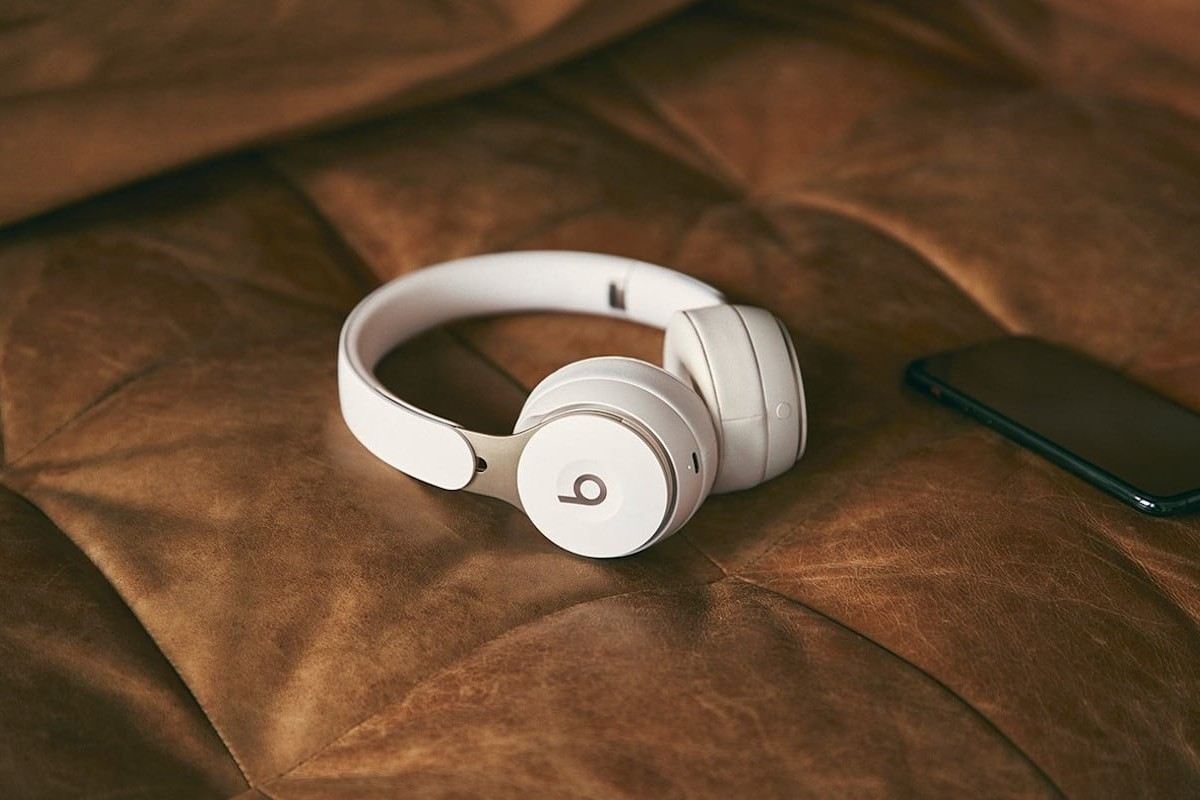 Beats by Dre Solo Pro Noise-Canceling Over-Ear Headphones charge with a Lightning cable