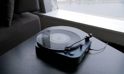 best music gadgets for turntable on vacation