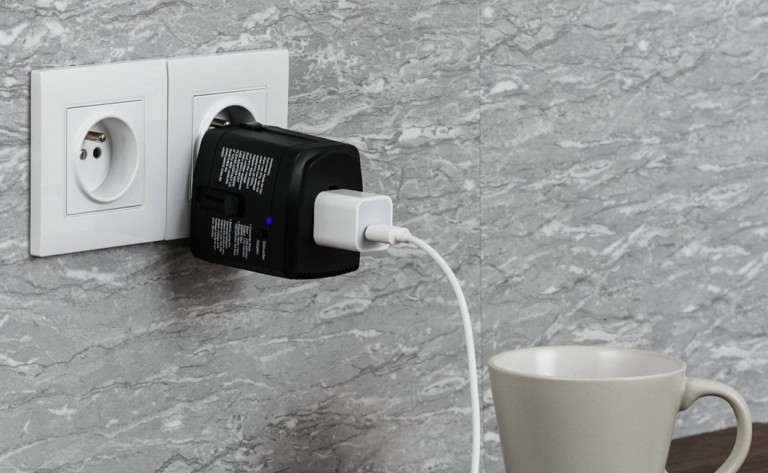 Bonazza All in ONE World Plug Universal Adapter converts voltage for high-energy appliances
