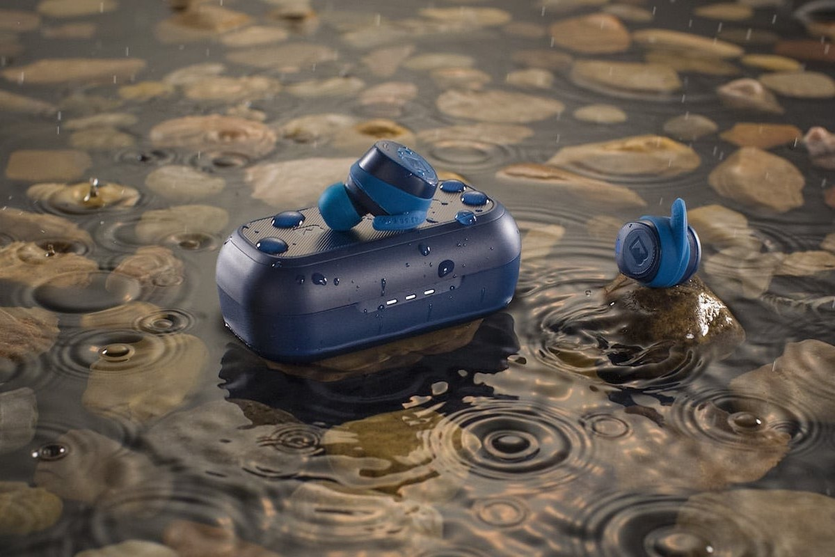 Braven Flye Sport Rush Wireless Earbuds & Case have 36 total hours of battery life