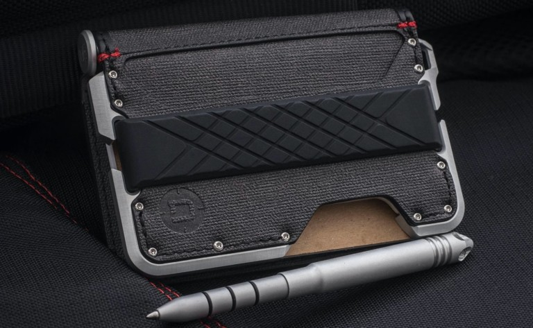 "Dango D01 Dapper Pen <em class=""algolia-search-highlight"">Wallet</em> Industrial Bifold has a dedicated slot for a pen"